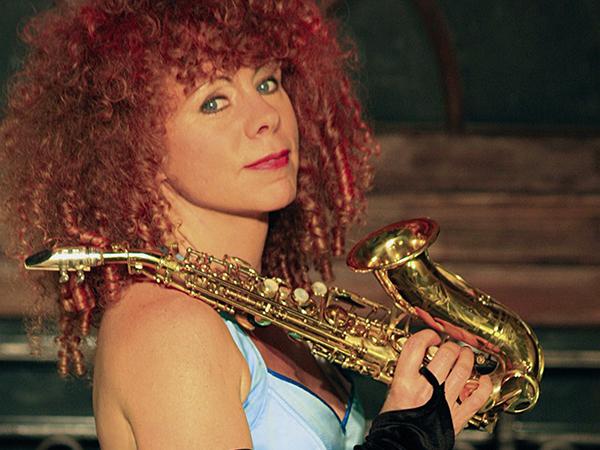 Saxophonistin Tina Tandler