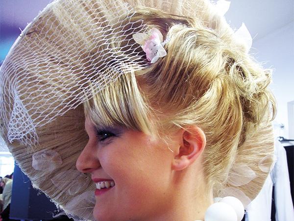 La Belle Poule Berlin - Brautfrisuren, Braut-Make up und Hochzeitsnägel in Berlin