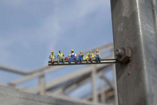 Slinkachu-Paris-Workers-2