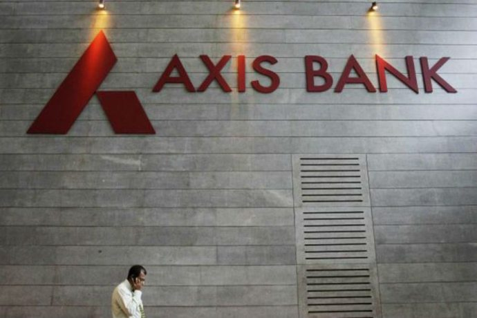 axis bank-freecharge-acquisition