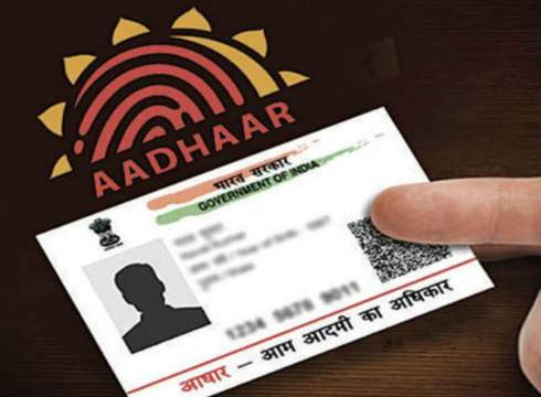 Linking Aadhaar With SIM Cards Might Soon Become A Licensing Condition