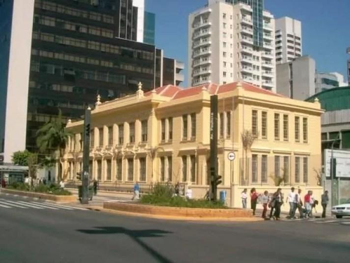 Escola Estadual Rodrigues Alves, atualmente.