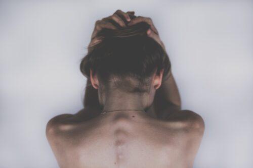 Espalda fallida y migraña