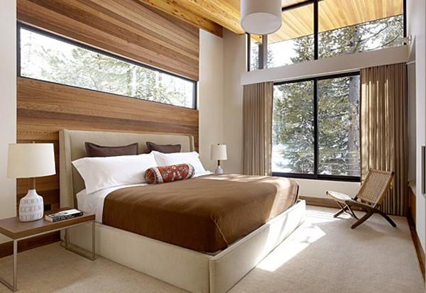Dormitor modern cu ferestre mari