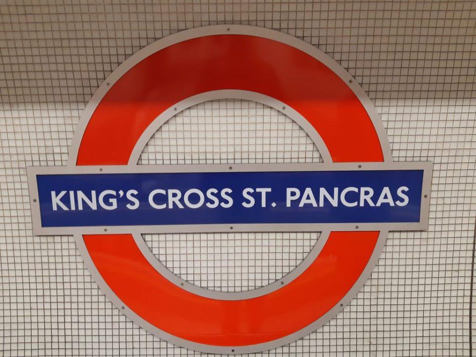 Bord metro Londen King's Cross en St. Pancras station