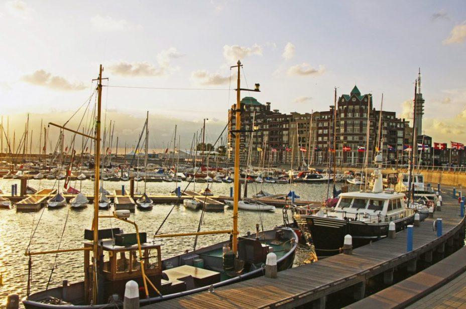 Bataviahaven Lelystad foto afkomstig van www.visitflevoland.nl