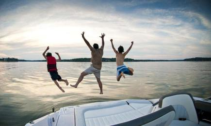 jumping in lake oconee off a boat
