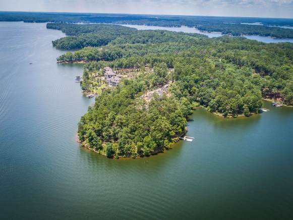 lake Oconee lakefront