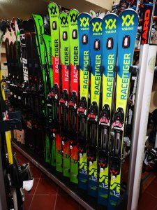 Echipamente ski race de inchiriat , VIP equipment for rent in Poiana Brasov at R&J Ski School