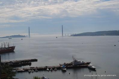 Die Russkij-Brücke