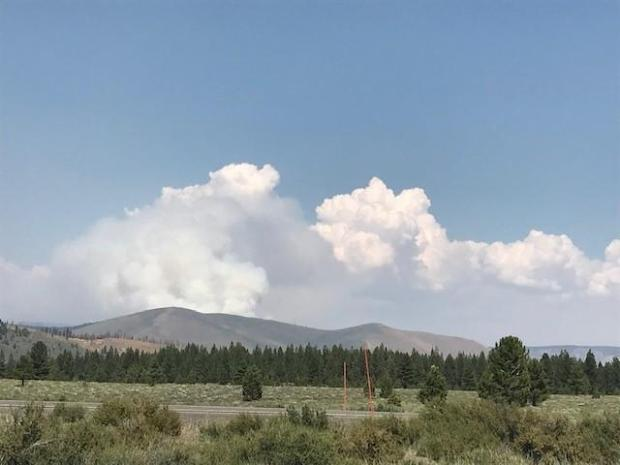 Photograph of smoke from the Dexter Fire taken from Highway 395.