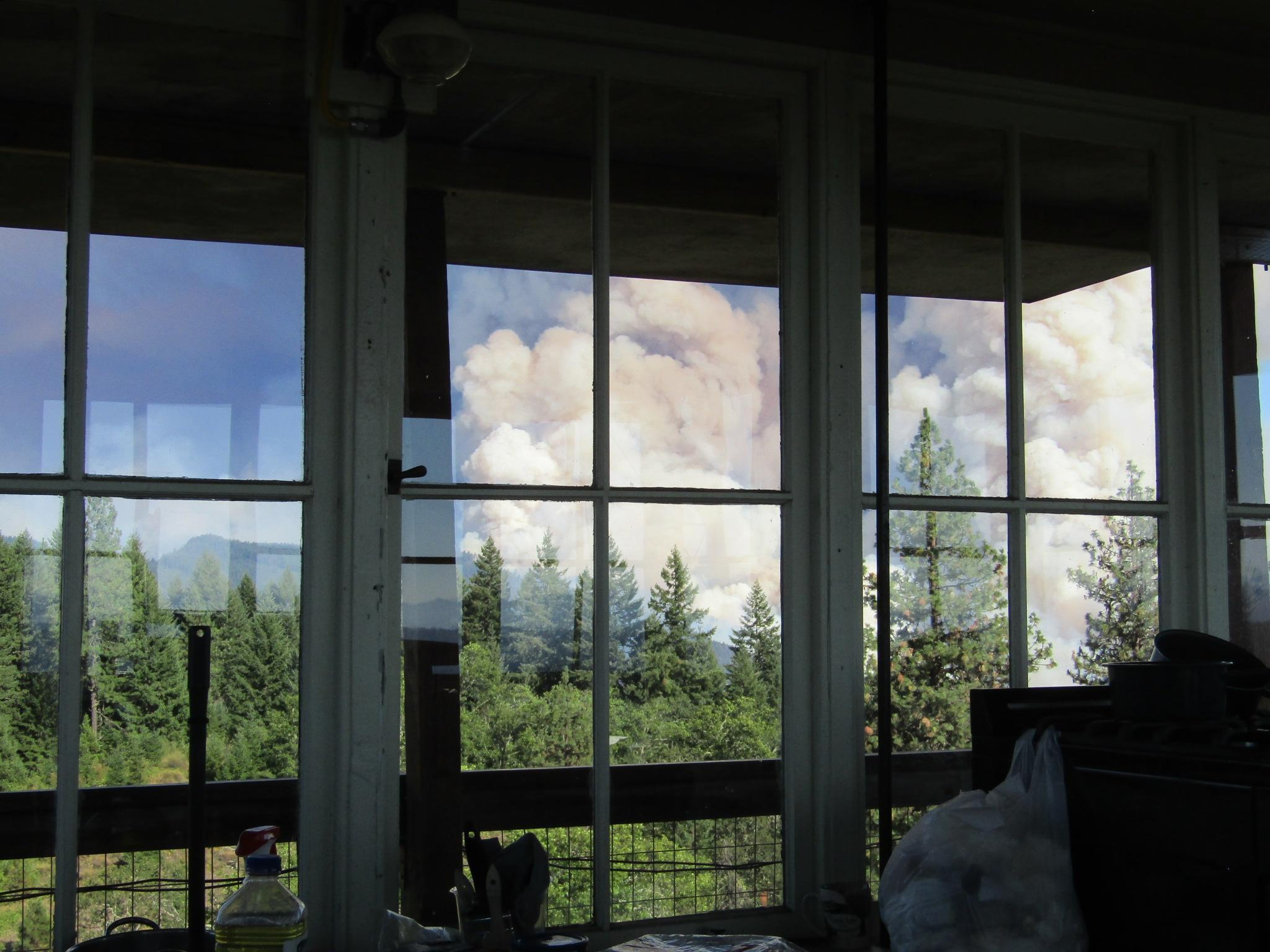 The first days of the Devils Knob fires from Pickett Butte Lookout 8/1