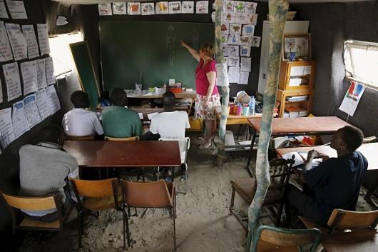 Makeshift-school-serves-Calais-refugees-.jpg