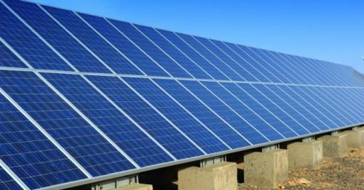 solar-panels-in-desert-706x369