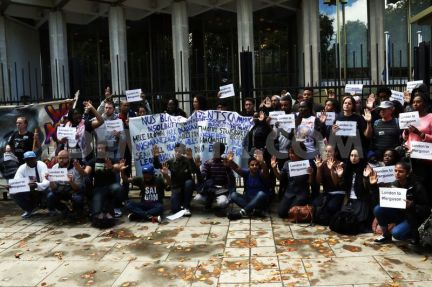 1408329477-protests-in-london-over-shooting-dead-of-michael-brown-in-ferguson_5544260