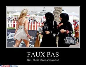 Muslim-sisters-hijab-fashion-by-muslimblog.co_.in-qdshhf