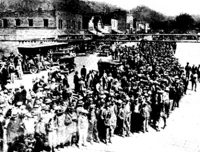 Mob of over 100 people who came to see the scarborough boys lynched