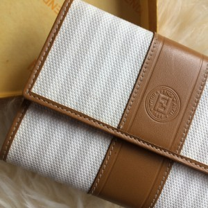 Fendi white wallet ext