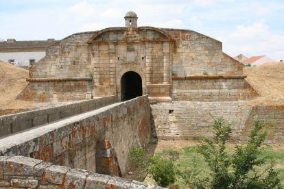 Portas Duplas de Santo António em Almeida