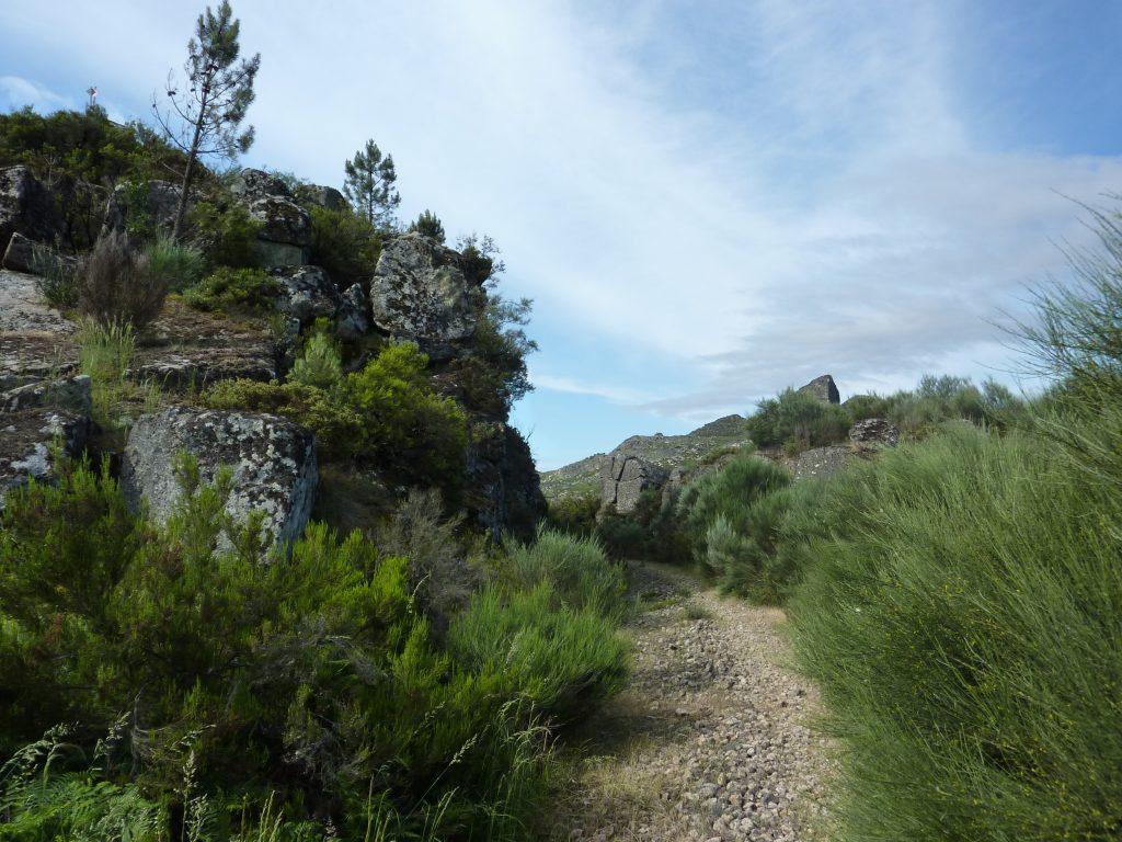 Vista de montanha do Caminho Interior de Santiago de Compostela em Vila Pouca de Aguiar