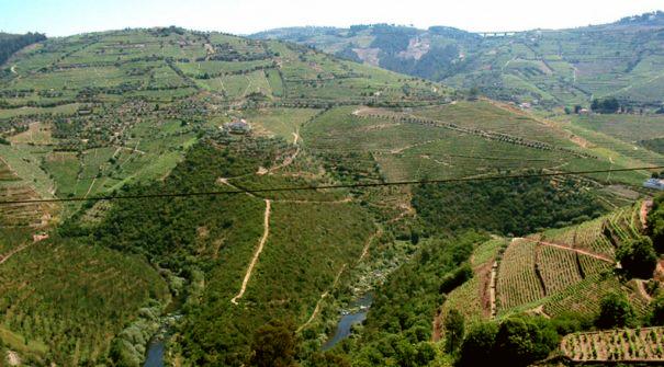 Miradouro de Santa Bárbara, na Cumieira, Santa Marta de Penaguião, de onde se vê o rio Douro e é ponto de paragem do Caminho de Santiago