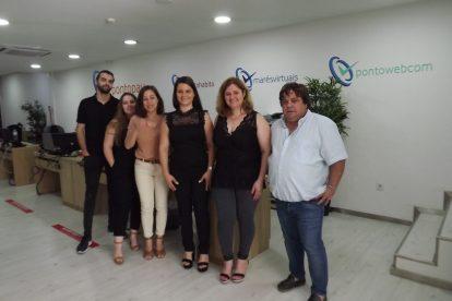 Equipa de Paulo Oliveira, fundador da Pontopay, plataforma multisserviços tipo Loja do Cidadão