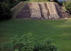 Photo of 'Ignorant' Builders Destroy 2,300-year-old Mayan Pyramid in Belize
