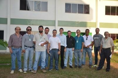 Superintendente Claudinei Chalito com servidores do Incra Santarém