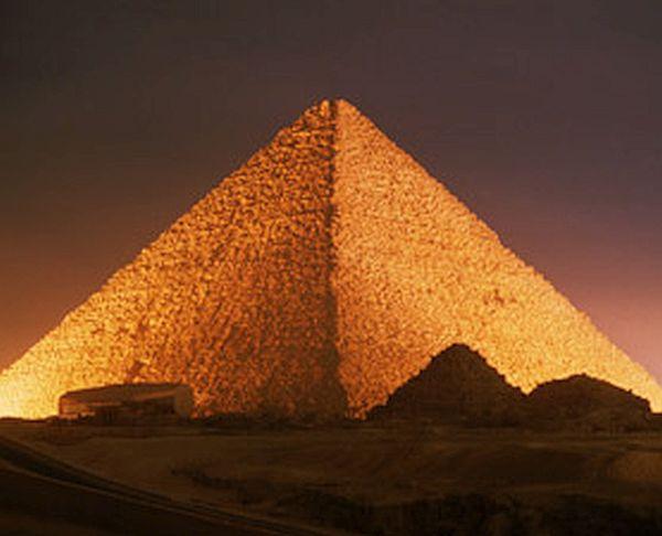 Great Pyramid of Giza (1)