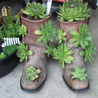 Gardening Craft: 2 Creative Boots Planters