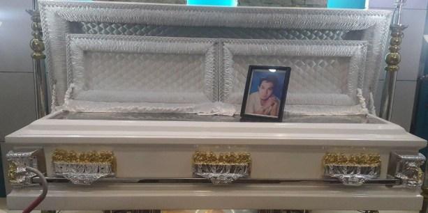 Lito Fruto - casket