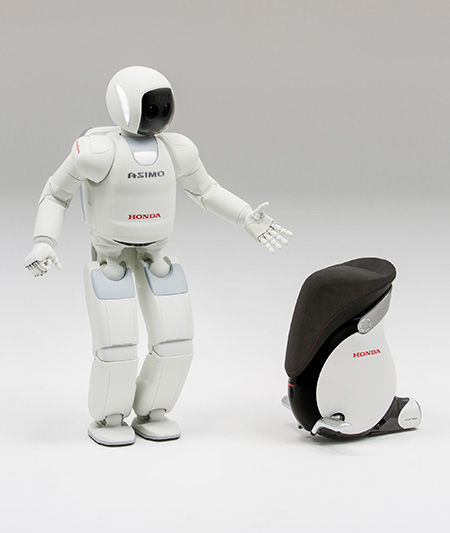 Arrive at NRT Gate 90??  Say hello to ASIMO and UNI-CAB!!