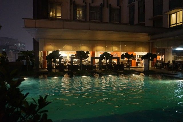 malajzia-utazas-kuala lumpur-hotel terasz medence