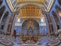The tomb of Saint Paul the Apostle (beneath the Altar)