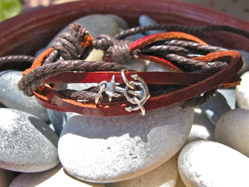 Anchor bracelet for courage