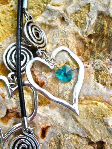 Birthstone_jewellery_heart_swirls