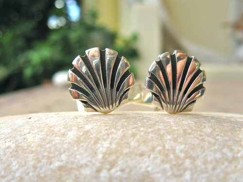 Silver scallop cufflinks