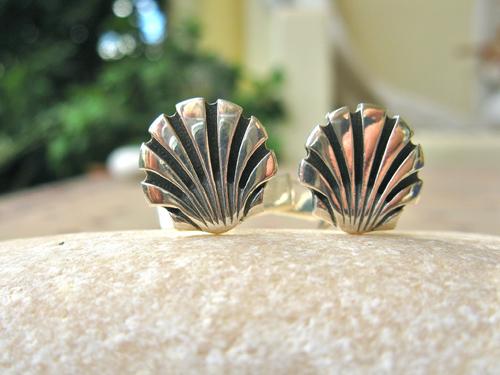 Silver scallop cufflinks