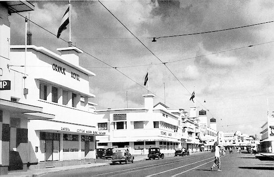 Koloniale hotels II Nostalgie in OostJava  In de Archipel