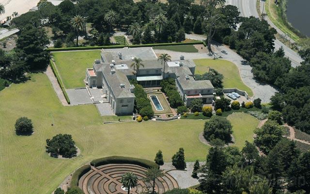 Clark Estate Art Museum in Question