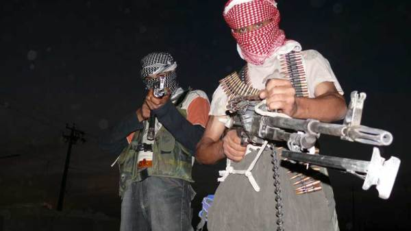 insurgents_with_guns