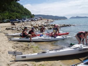 kayak beach launching, Marahau