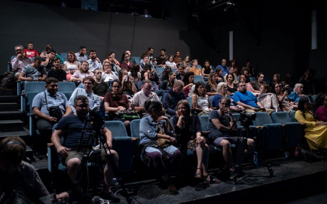 Az RS9 Színház és a Független Színház Magyarország közösen térítésmentes  roma színházi programsorozatot kínál!