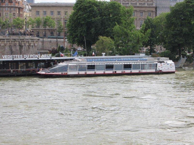 Paris Seine cruise boat