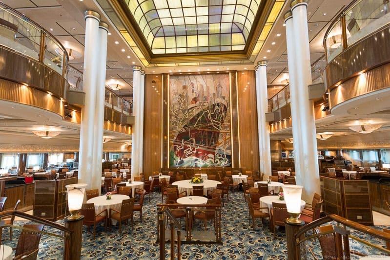 Britannia restaurant Captain's table Cunard Queen Mary 2 cruise