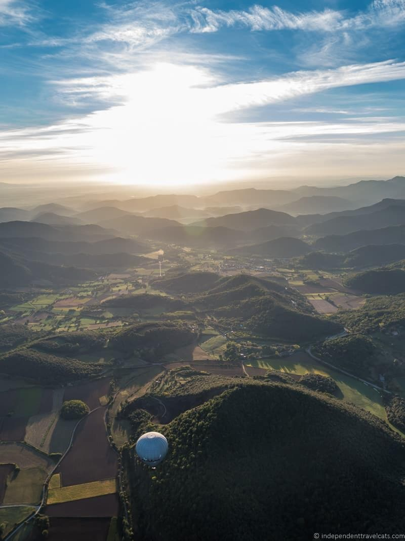 hot air balloon things to do in the Spanish Pyrenees in Catalonia Spain
