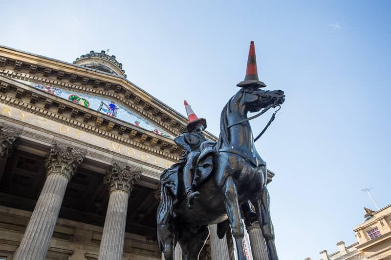 Duke of Wellington statue top things to do in Glasgow Scotland attractions