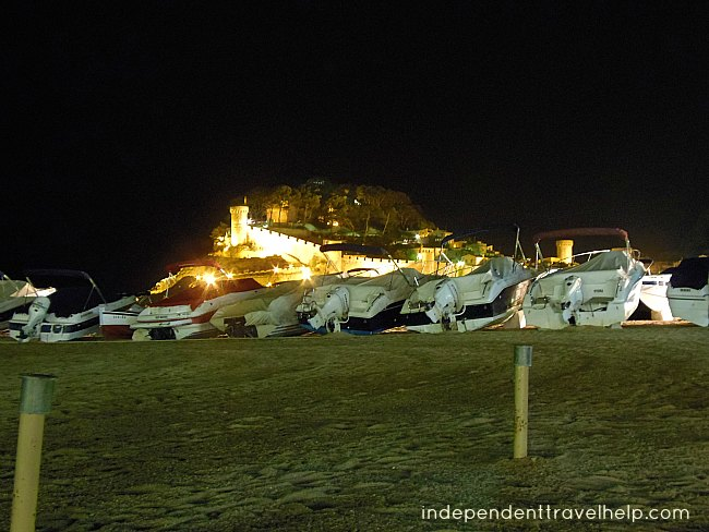 Tossa de Mar, medieval town, night, boats, beach, sand, sea, beaches