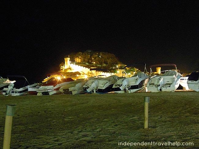 Tossa de Mar, medieval town, night, boats, beach, sand, sea, beaches