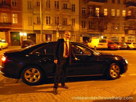Uber, taxi, chauffeur, lady, chauffeur driven